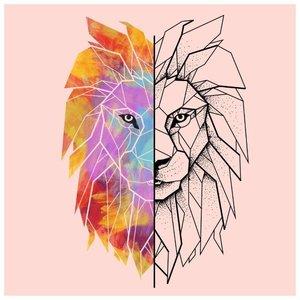 Эскиз тату льва наполовину в цвете