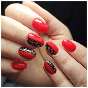 Красный шеллак с дизайном