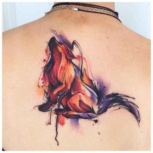 Акварельная тату лисы на спине и затылке