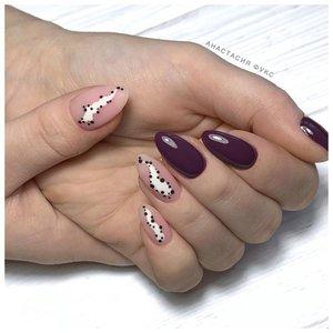 Фиолетовый шеллак с абстракцией