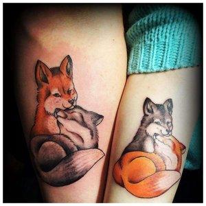 Парные тату волка и лисы