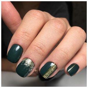 Зеленый шеллак с дизайном