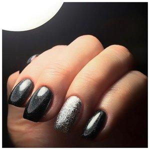 Черные блестящие ногти