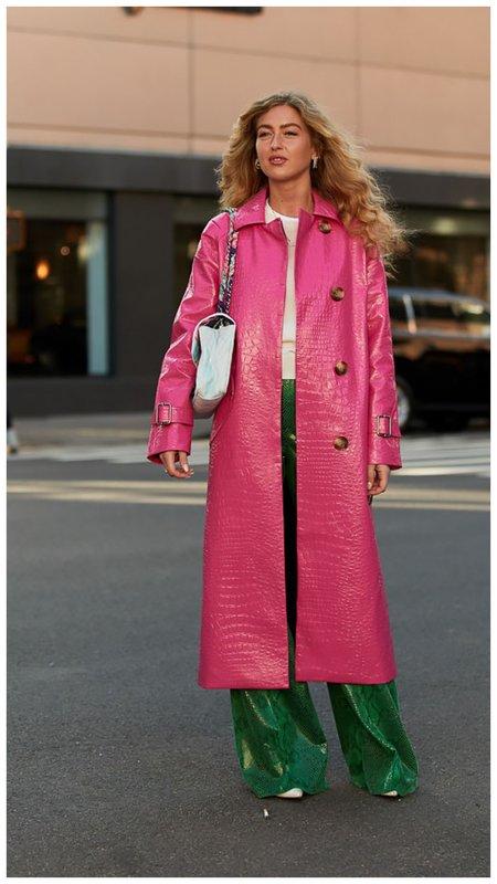 Розовый тренч стир стайл
