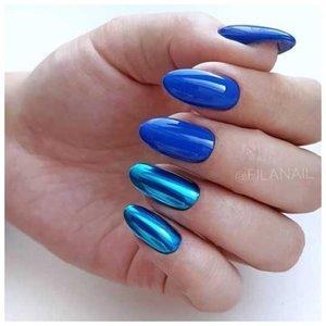 Синий хромированный маникюр