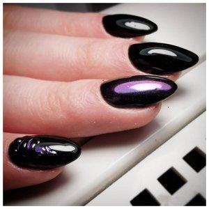 Красивые ногти с черным лаком