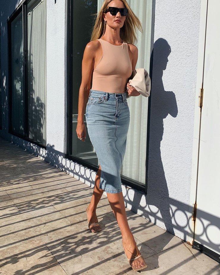 Самая модная джинсовая юбка