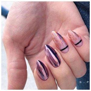 Металлические ногти с полосками