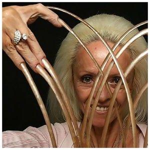 Ли Реймонд - фото ногтей