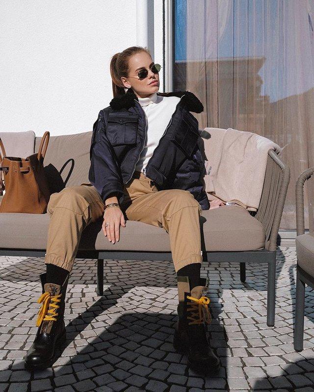 Даша Ключина в стильной куртке