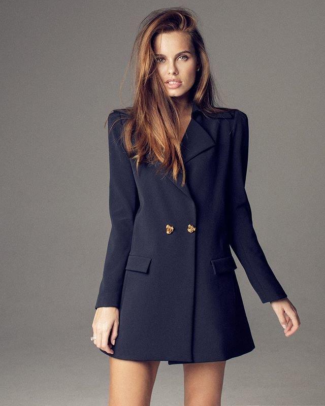 Клюкина в пиджаке-платье