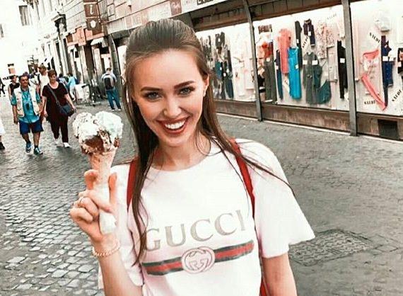 Анастасия Костенко в футболке гуччи