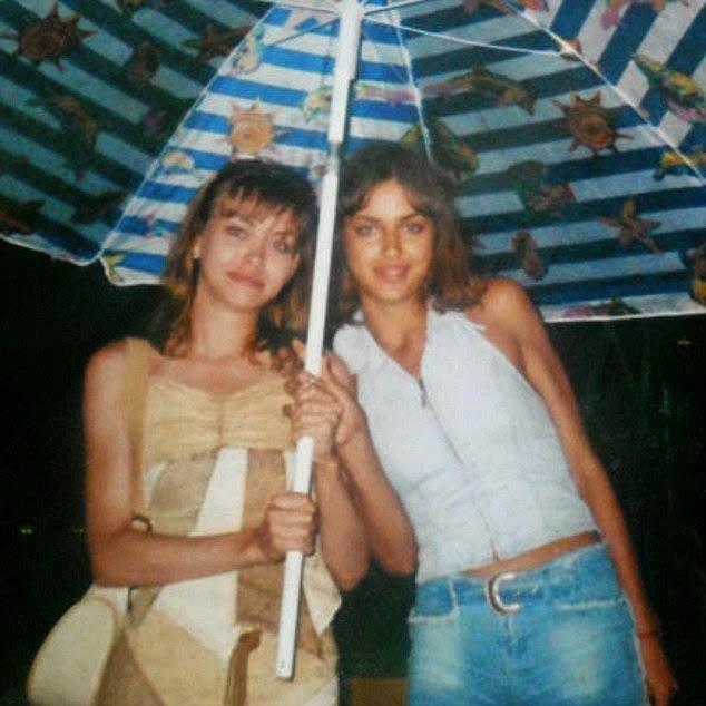 Ирина Шейк с сестрой