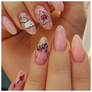 Ногти с наклейками