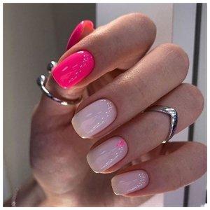 Комбинированный дизайн для ногтей: база и малиновый оттенок