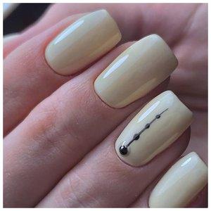 Бледно-желтые ногти