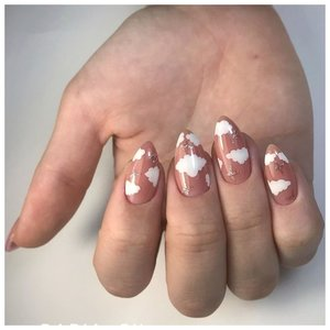 """Острые ногти с дизайном """"облака"""""""
