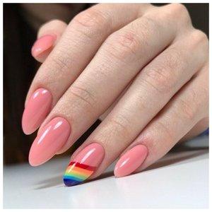 Радужный дизайн на одном ногте
