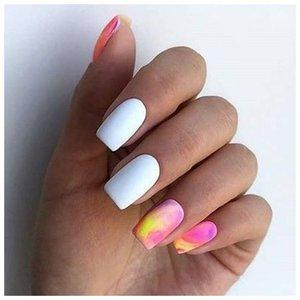 Квадратные нежные ногти