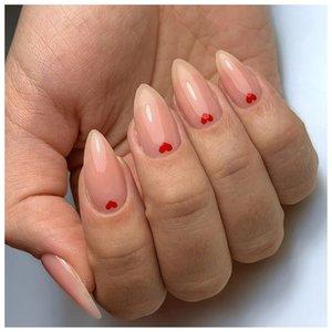 Длинные ногти с сердечками