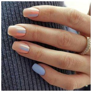"""Светлые ногти с дизайном """"мазки кистью"""""""