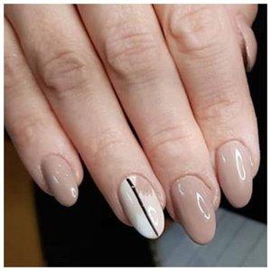 Нежные бежевые ногти
