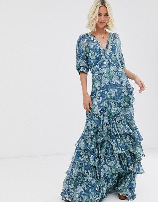 Многоярусное платье с принтом