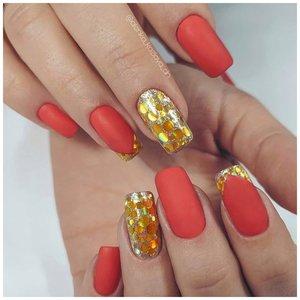Оранжевый ногти с золотыми блестками
