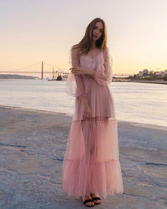 Многоярусное платье с прозрачным верхом