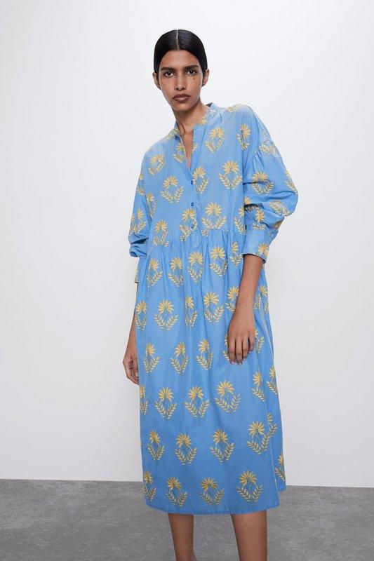 Модное свободное платье-рубашка