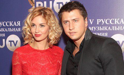 Агата Муцениеце и Павел Прилучный фото