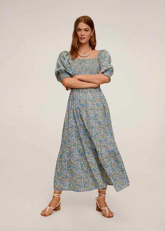 Красивое платье с объемными рукавами