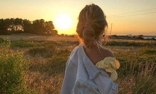 Красивое фото девушки и заката
