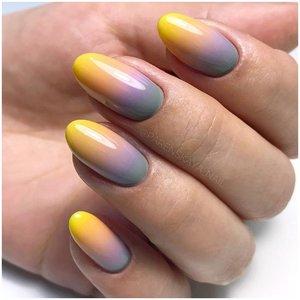 Желто-серые ногти