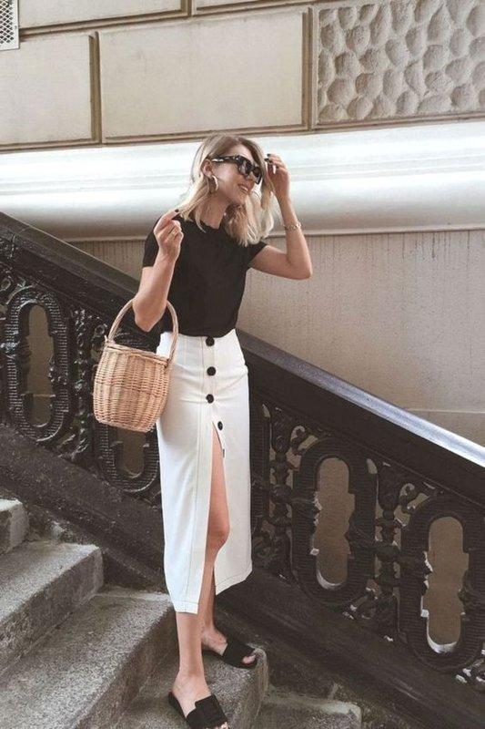 Красивые летний образ с белой юбкой