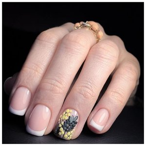 Веточка мимозы на ногтях