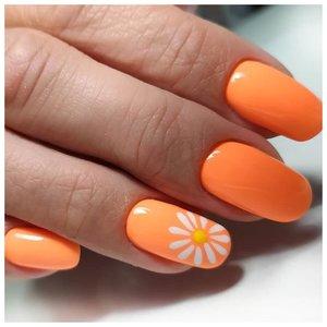 Оранжевые ногти с ромашками