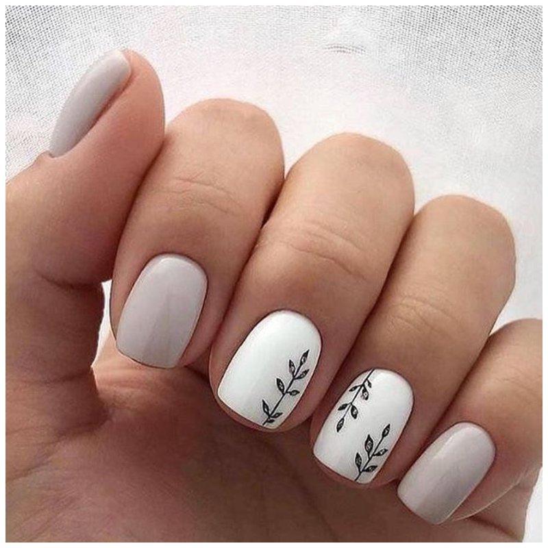 Белые ногти с веточкой оливы