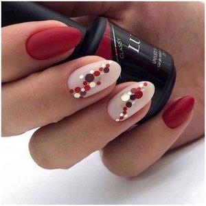 Красные ногти с камифубиками
