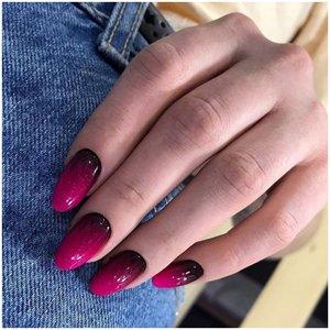 Ягодные ногти с эффектом омбре