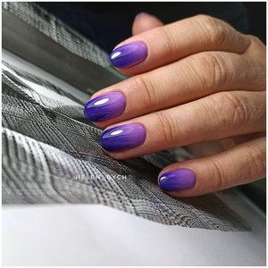 Градиент на ногтях фиолетовым