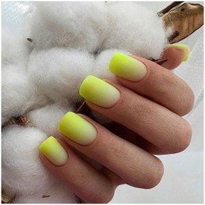 Матовые желтые ногти с эффектом омбре