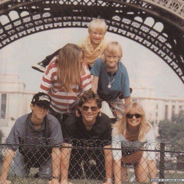 Курт Рассел и Голди Хоун с детьми