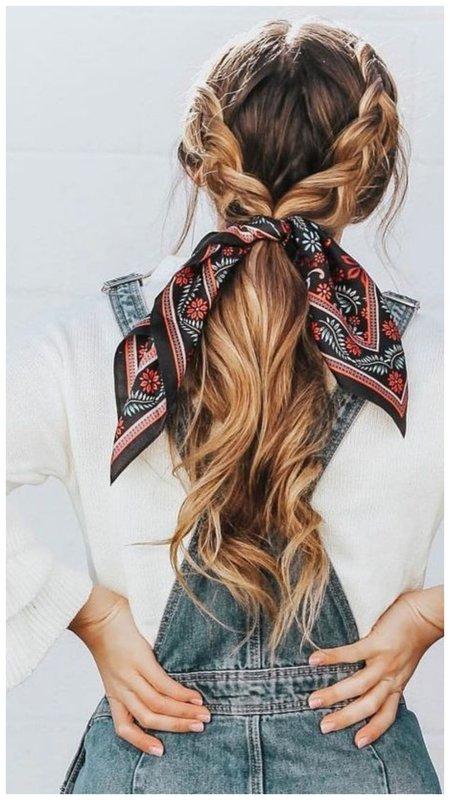 Прическа хвостик с косичками