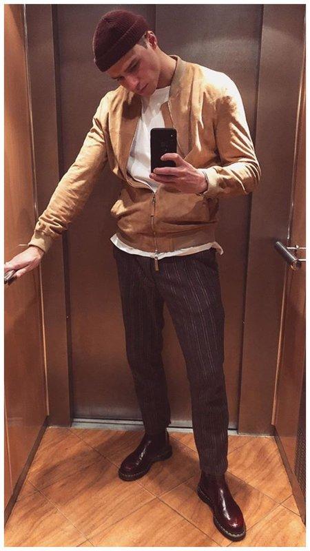 Олег Майами в лифте