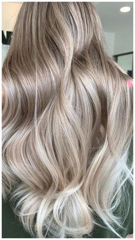 Укладка на длинные светлые волосы
