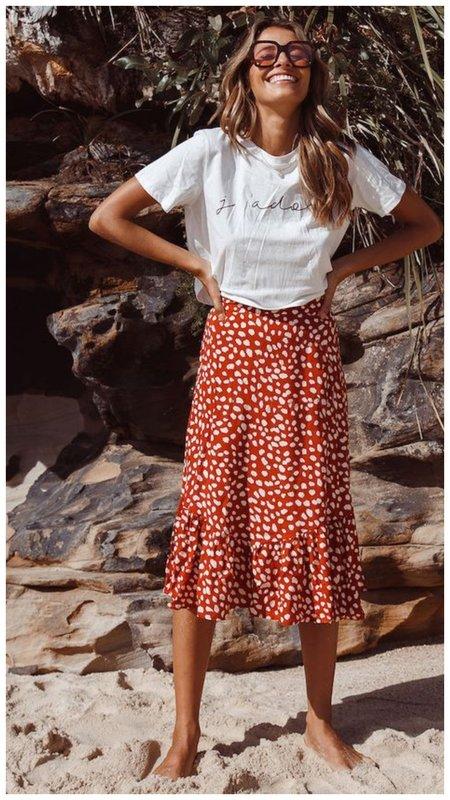 Юбка с цветочным принтом и футболка