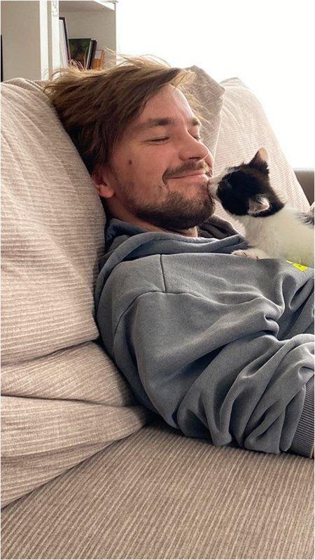Петров с котиком