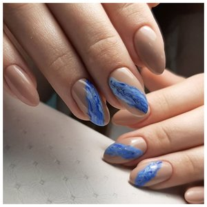 Красивые длинные ногти с дизайном