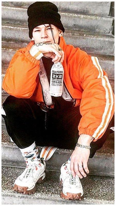 Niletto в оранжевой ветровке